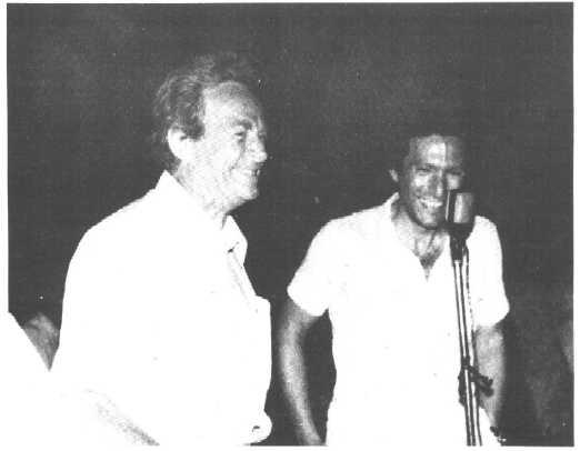 Feynman και Ηλιόπουλος το 1980 στο Κολυμπάρι