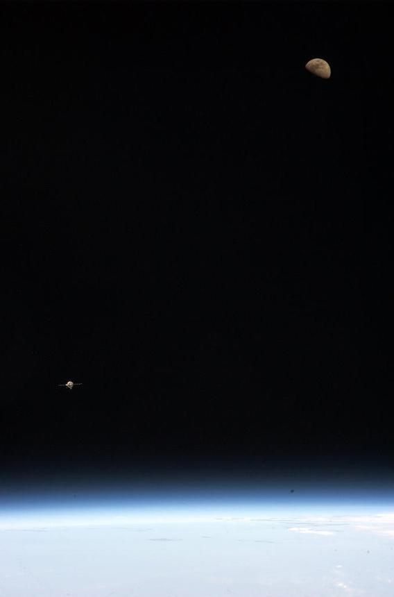 https://twitter.com/Cmdr_Hadfield/status/285767710888038401/photo/1/large