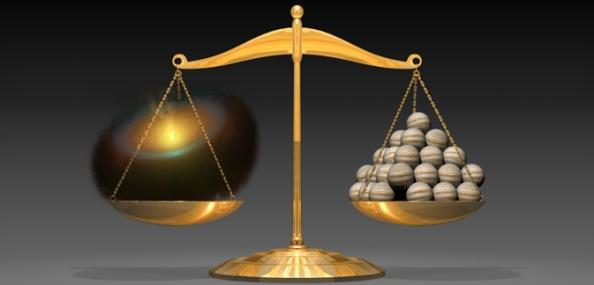 Kαλλιτεχνική απεικόνιση που  δείχνει έναν πλανητικό δίσκο (αριστερά) που ζυγίζει όσο 50 πλανήτες σαν τον Δία