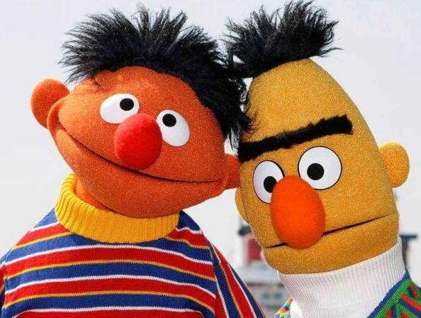 Οι δυο χαρακτήρες muppet, Bert και Ernie http://en.wikipedia.org/wiki/Bert_and_Ernie