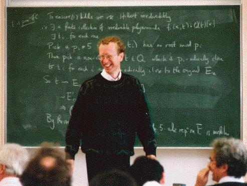 Ο Andrew Wiles: εάν είχατε λύσει ένα πρόβλημα 350 ετών, δεν θα χαμογελούσατε κι εσείς;