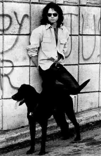 O τραγουδιστής των Doors Jim Morrison
