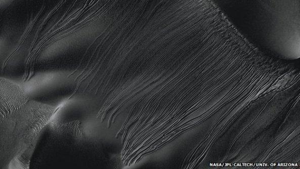Διάφοροι τύποι αυλακώσεων έχουν παρατηρηθεί στον Άρη