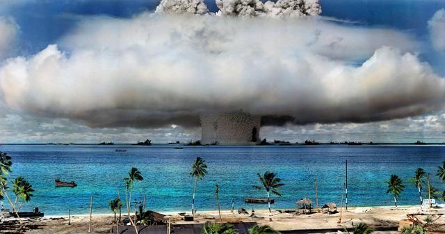 Πυρηνική δοκιμή στο κοραλλιογενές νησί Μπικίνι το 1946