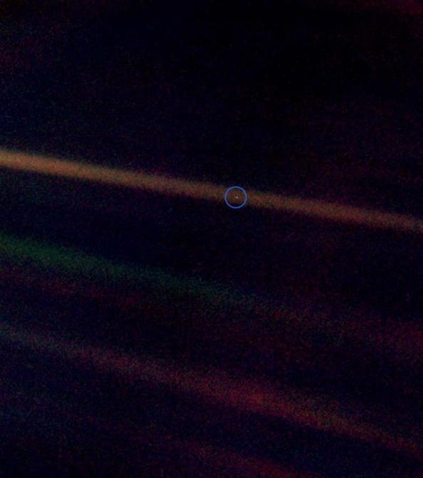 Η χλωμή μπλε κουκίδα όπως την είδε το Voyager 1