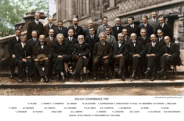 Η διάσημη φωτογραφία από το συνέδριο στο Solvay το 1927 (κάντε κλικ πάνω στην εικόνα για μεγέθυνση)