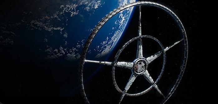 """Στην ταινία επιστημονικής φαντασίας """"Elysium"""", η ομώνυμη διαστημική αποικία, το έτος 2154 μ.Χ. φιλοξενεί μισό εκατομμύριο κατοίκους – μόνο πλούσιους. Η διάμετρος της κατασκευής είναι 60 χιλιόμετρα και έχει εύρος 3 χιλιόμετρα."""
