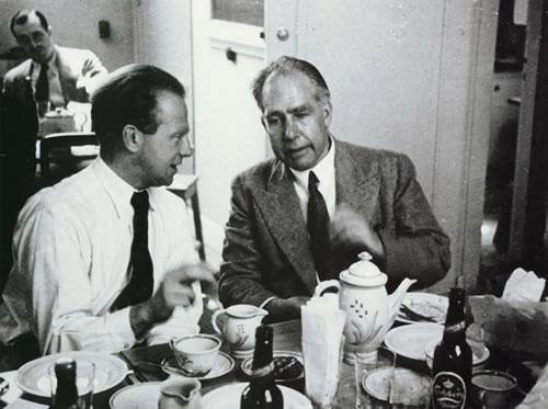 O Heisenberg μαζί με τον Bohr (Image Credit: AIP Niels Bohr Library)