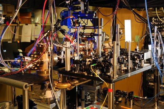 Aτομικό ρολόι από υττέρβιο ( Burrus/NIST)