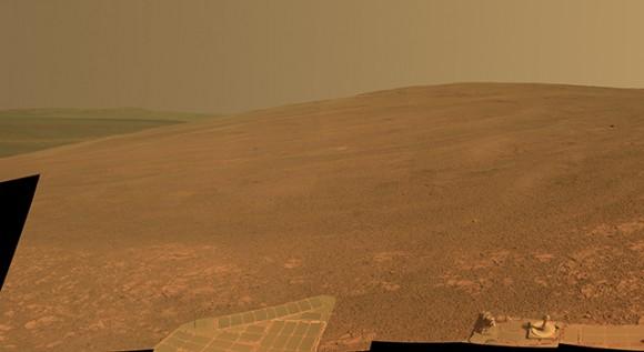 Κορυφογραμμή Murray, που βρίσκεται δυτικά του κρατήρα Endeavour στον Άρη. Αυτή η πλαγιά ήταν η περιοχή έρευνας του παλαιότερου διαστημικού ρόβερ της NASA Opportunity