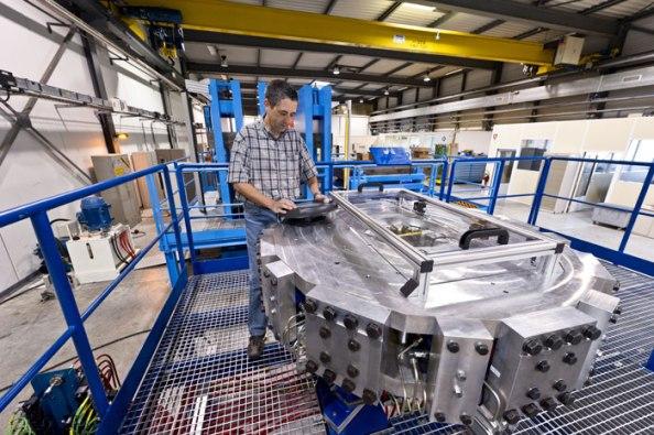 Για έναν νέο και ισχυρότερο επιταχυντή σωματιδίων απαιτείται ανάπτυξη νέων μαγνητών