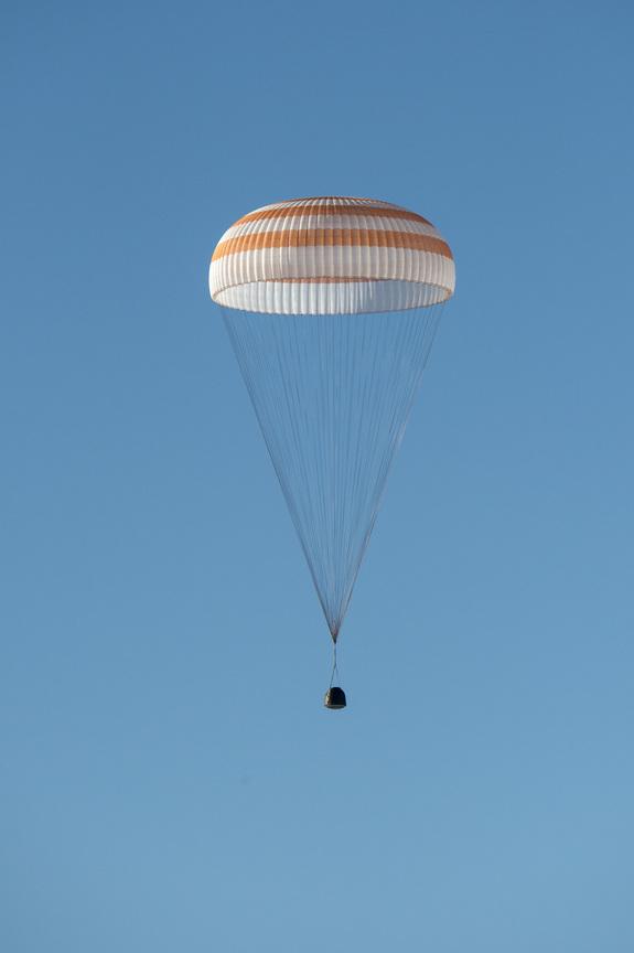 Expedition 39 Soyuz TMA-11M Landing