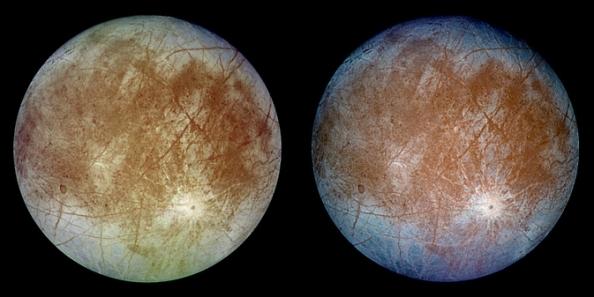 """Δύο εικόνες με """"ραγίσματα"""" στην επιφάνεια του δορυφόρου του Δια,  Ευρώπη,  από την αποστολή Galileo της NASA"""