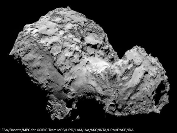 Ένα κοντινό πλάνο του κομήτη 67P/Churyumov-Gerasimenko που έστειλε σήμερα το διαστημικό σκάφος Rosetta
