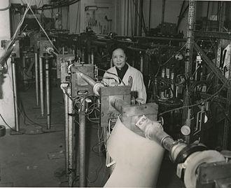 Η Chien-Shiung Wu το 1963 στο Πανεπιστήμιο Columbia
