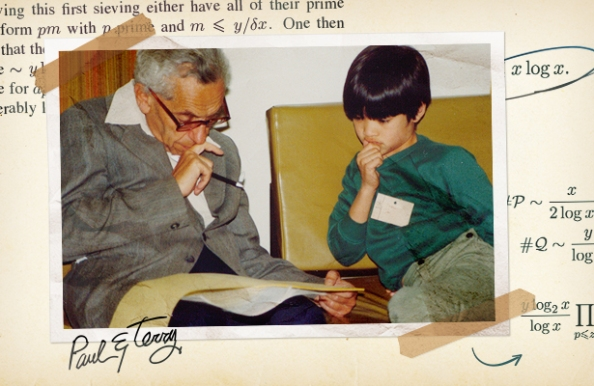 O Paul Erdős, αριστερά, και ο Terence Tao συζητούν μαθηματικά προβλήματα το 1985.