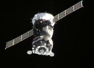To Soyuz TMA-18M προσεγγίζει τον Διεθνή Διαστημικό Σταθμό