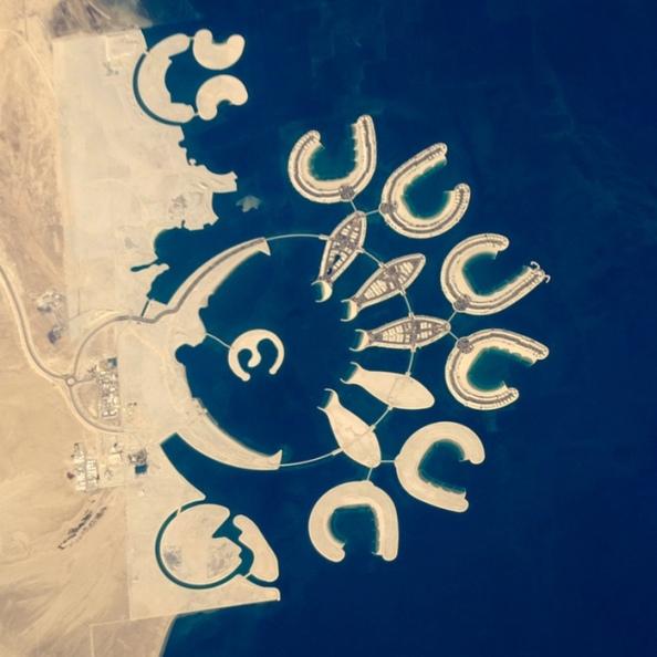 C: τεχνητά νησιά στο νότιο άκρο του Μπαχρέιν