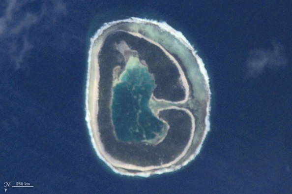 G: Το νησίi Pinaki στην Γαλλική Πολυνησία