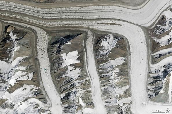 M: παγετώνες στα όρη Tian Shan, της βορειο-ανατολικής Κιργιζίας