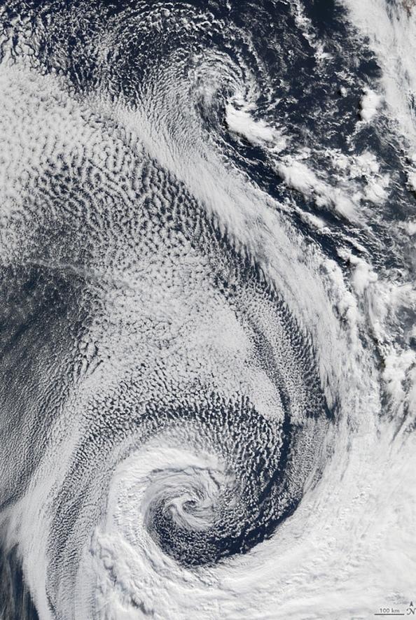 S: σύννεφα πάνω από τον Ατλαντικό