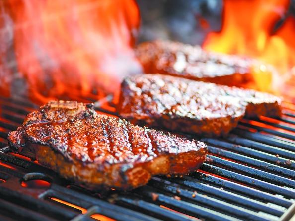 Χωρίς την αντίδραση Μαγιάρ δεν θα γευόμασταν το ωραίο, καλοψημένο εξωτερικά και ζουμερό εσωτερικά κρέας