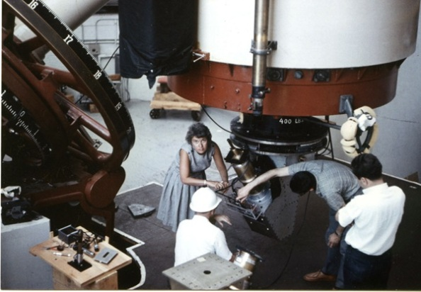 Η Vera Rubin στο Αστεροσκοπείο Lowell το 1965 (Carnegie Institution, Department of Terrestrial Magnetism)