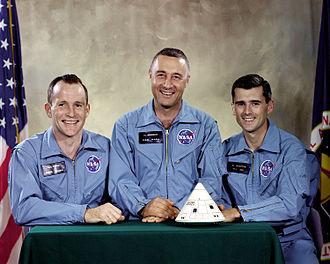 Στις 27 Ιανουαρίου του 1967 κατά τη διάρκεια των δοκιμών στο ακρωτήριο Κένεντι προκλήθηκε πυρκαγιά στον θάλαμο του διαστημοπλοίου Απόλλων 1. Οι αστροναύτες της αποστολής White, Grissom και Chaffee βρήκαν τραγικό θάνατο.